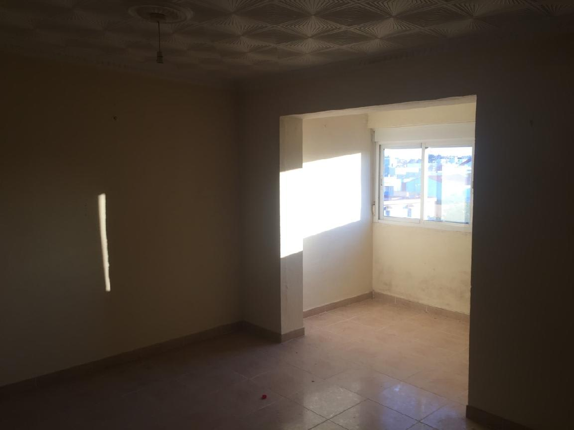 Piso en venta en La Línea de la Concepción, Cádiz, Calle Menendez Pelayo, 66.392 €, 3 habitaciones, 1 baño, 101 m2