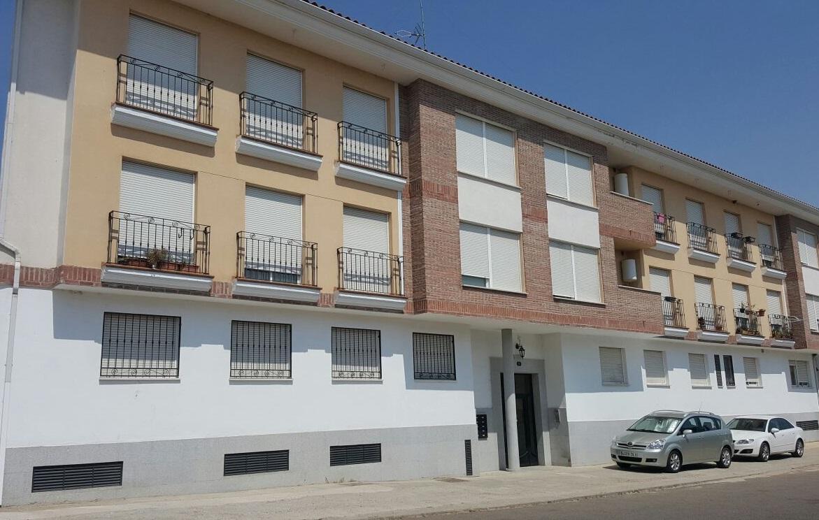 Piso en venta en Castillo de Bayuela, Castillo de Bayuela, Toledo, Calle Ramon Y Cajal, 48.500 €, 3 habitaciones, 2 baños, 95 m2