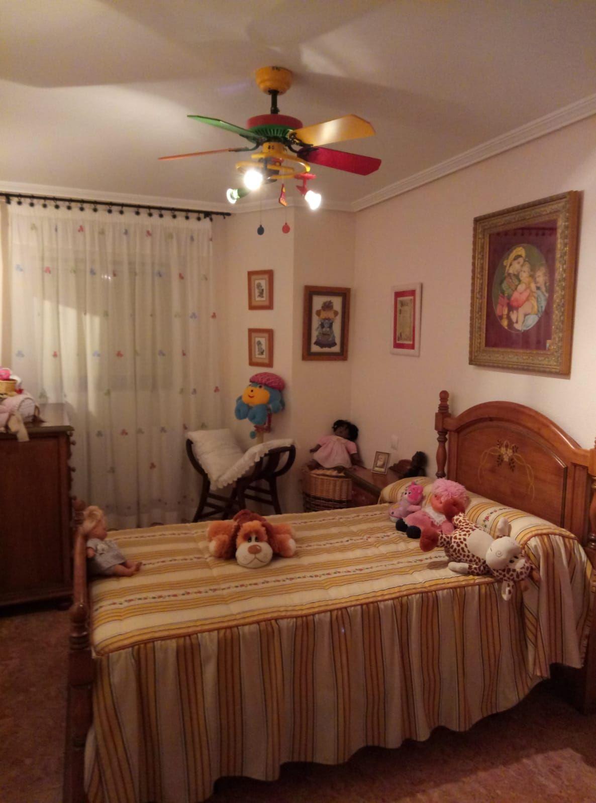 Piso en venta en Martos, Jaén, Calle Carrera, 90.000 €, 4 habitaciones, 2 baños, 149 m2