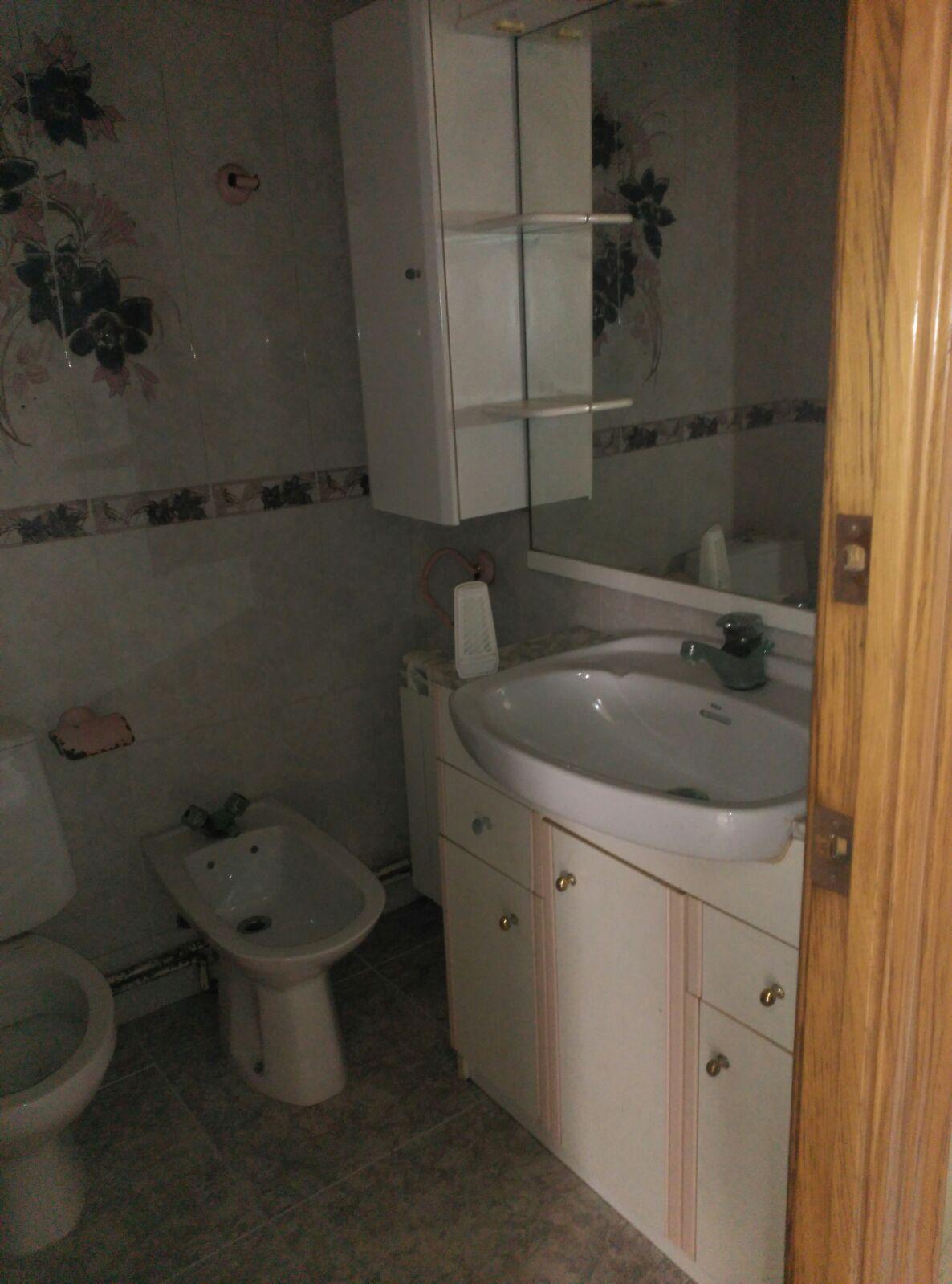 Piso en venta en Sant Fruitós de Bages, Barcelona, Calle Joan Xxiii, 62.000 €, 2 habitaciones, 1 baño, 67 m2