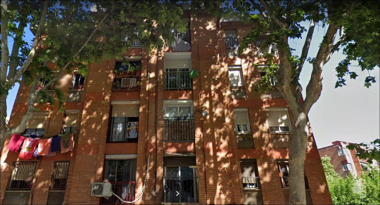 Piso en venta en El Remei, Badalona, Barcelona, Calle Alfons Xii, 60.500 €, 4 habitaciones, 1 baño, 57 m2