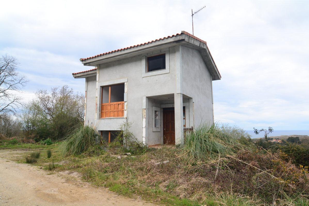 Casa en venta en Llanes, Asturias, Carretera Collado-belmonte de Pria, 133.800 €, 170 m2