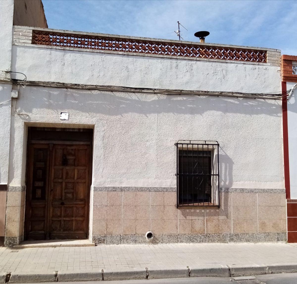 Casa en venta en Tomelloso, Ciudad Real, Calle Altillo, 55.000 €, 4 habitaciones, 1 baño, 200 m2