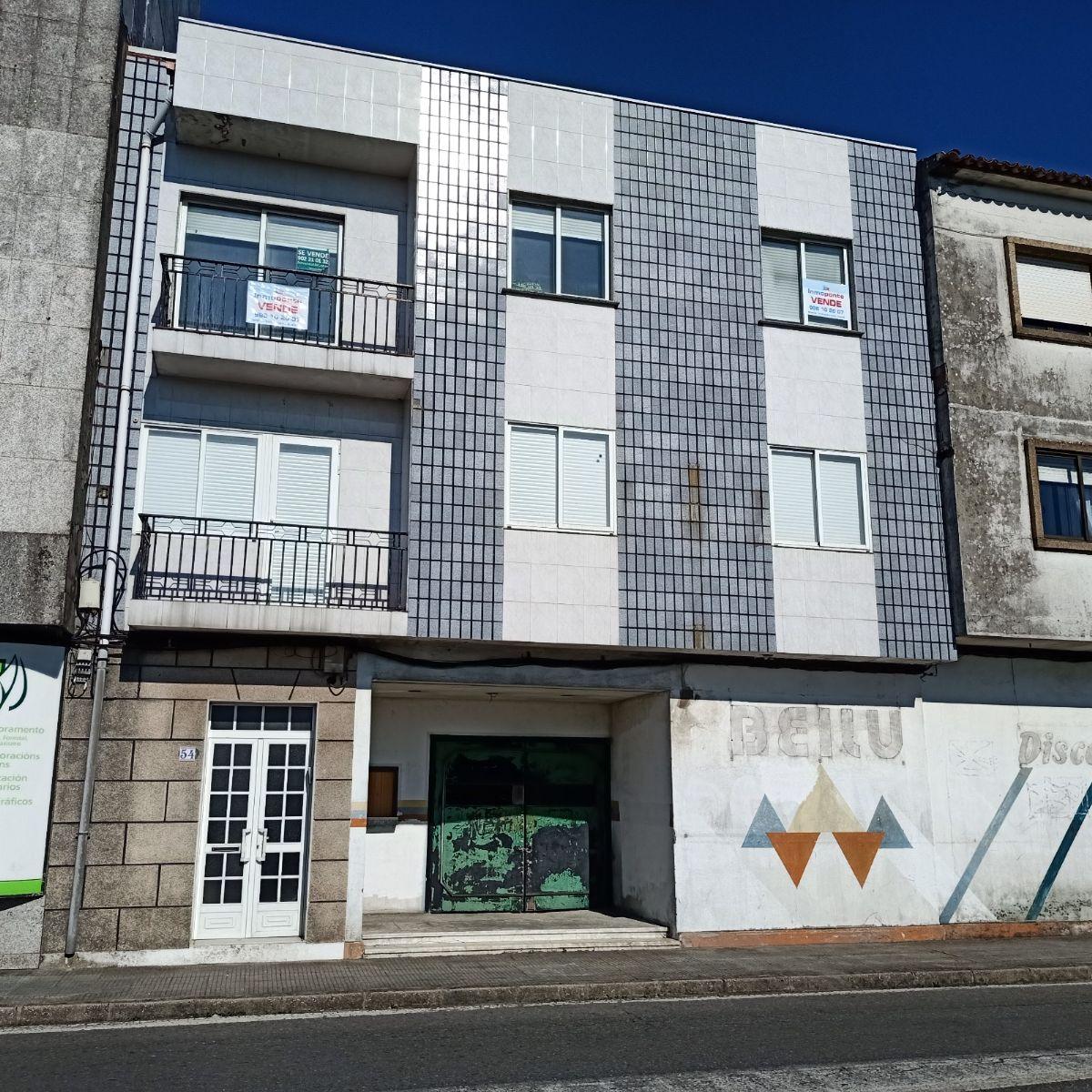 Piso en venta en Cambados, Pontevedra, Avenida de Vilagarcia, 50.000 €, 3 habitaciones, 1 baño, 100 m2