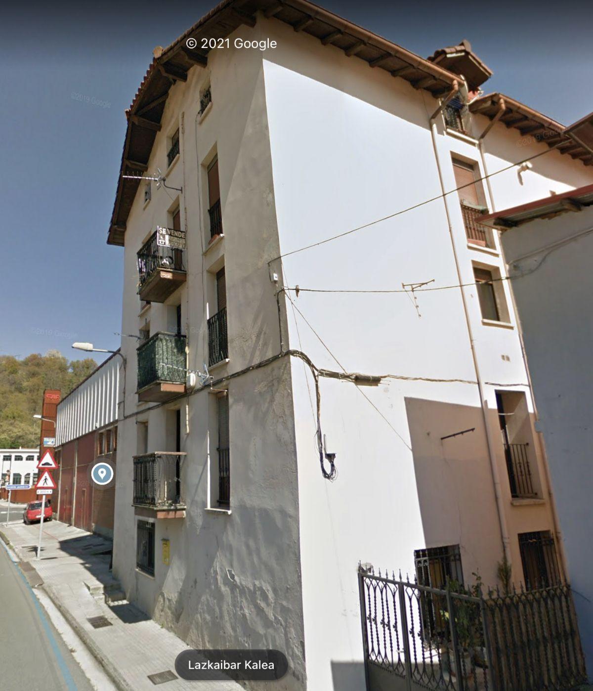 Piso en venta en Beasain, Guipúzcoa, Calle Lazkaibar Kalea, 75.300 €, 2 habitaciones, 1 baño, 113 m2