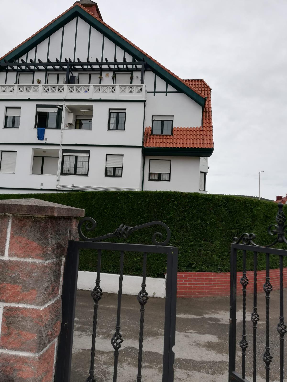 Piso en venta en Barcena de Cicero, Bárcena de Cicero, Cantabria, Barrio Gama, 106.000 €, 2 habitaciones, 2 baños, 73,27 m2
