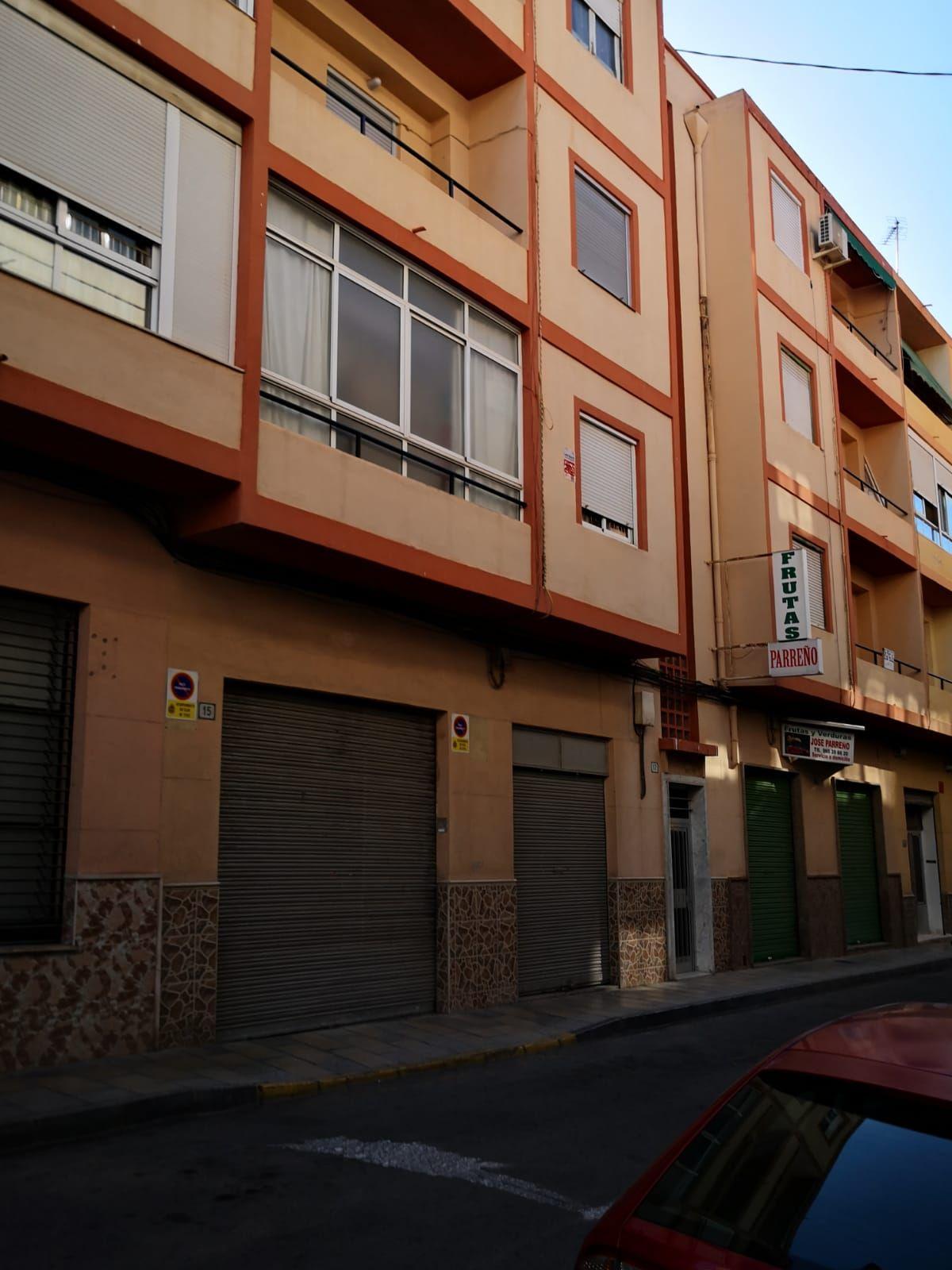 Piso en venta en Coto de Caza, Elda, Alicante, Calle Calle Maestro Estruch, 33.500 €, 3 habitaciones, 1 baño, 90 m2