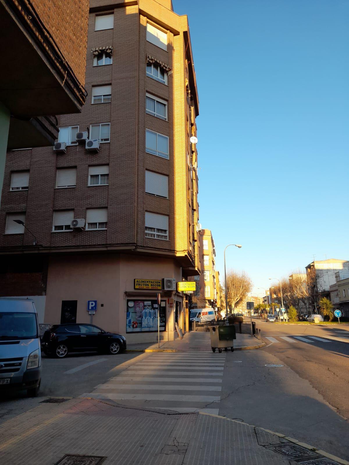 Piso en venta en Talavera de la Reina, Toledo, Calle Dr Arias Maldonado, 78.000 €, 3 habitaciones, 2 baños, 131 m2