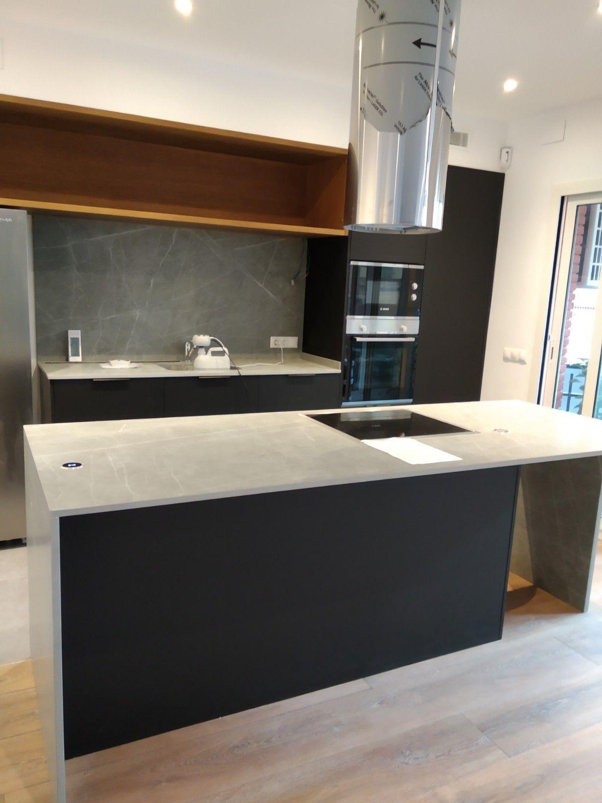Piso en venta en Eixample, Barcelona, Barcelona, Avenida Josep Tarradellas, 685.000 €, 3 habitaciones, 2 baños, 145 m2