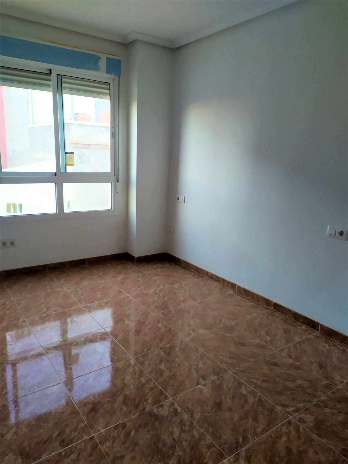 Piso en venta en 40004, Almería, Almería, Calle Nador, 45.000 €, 2 habitaciones, 1 baño, 51 m2