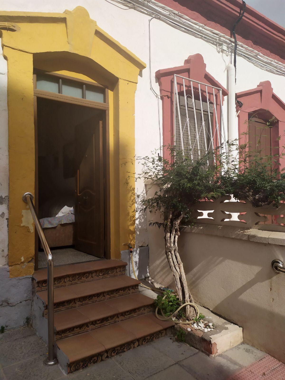 Casa en venta en 40002, Almería, Almería, Calle Paseo de la Caridad, 69.000 €, 2 habitaciones, 1 baño, 88 m2