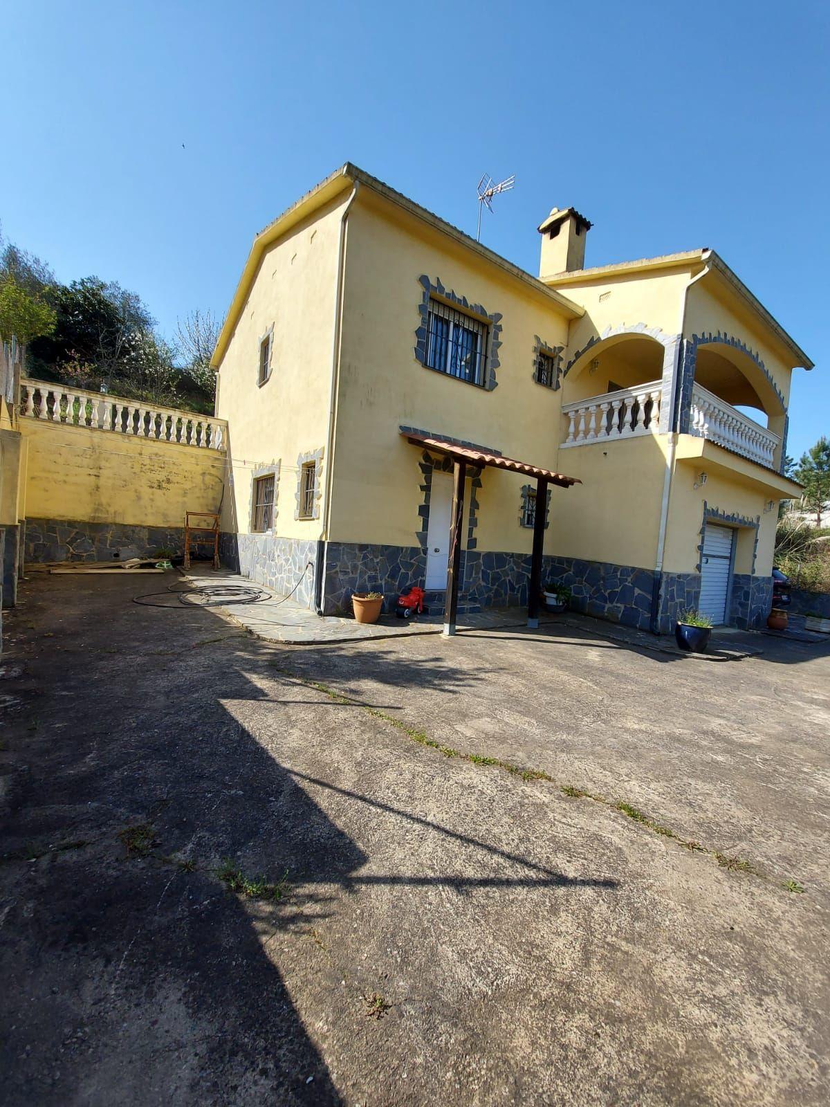 Casa en venta en Can Vives de Baix, Vidreres, Girona, Heures, 240.000 €, 3 habitaciones, 2 baños, 155 m2
