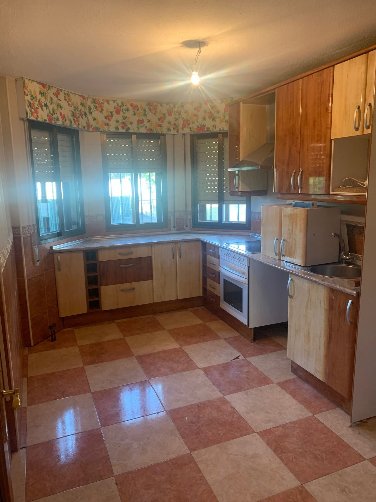 Casa en venta en Ajalvir, Madrid, Calle Fresno, 275.000 €, 4 habitaciones, 4 baños, 200 m2