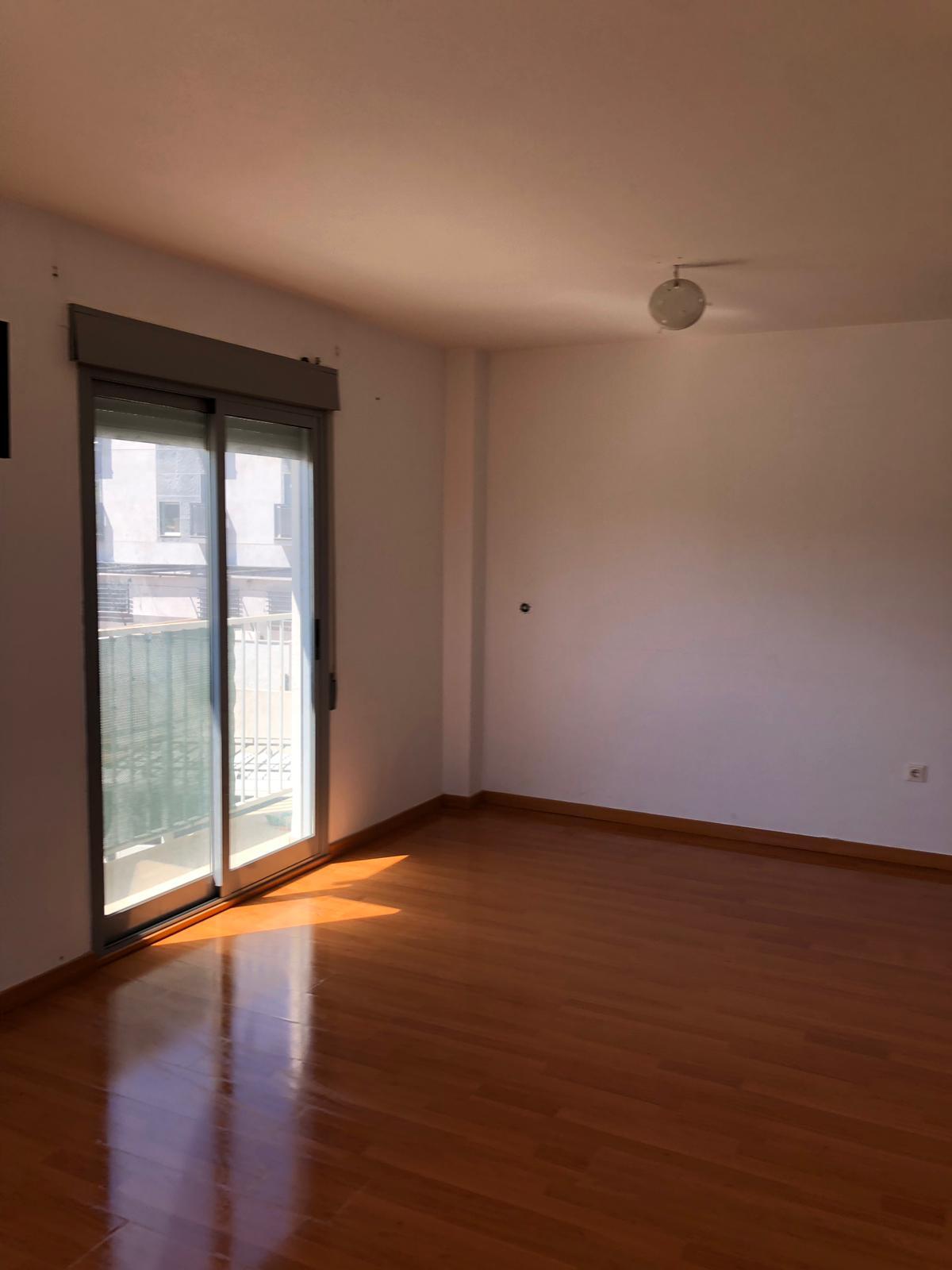 Piso en venta en Aspe, Alicante, Avenida Gran Capitan, 83.200 €, 4 habitaciones, 2 baños, 134 m2