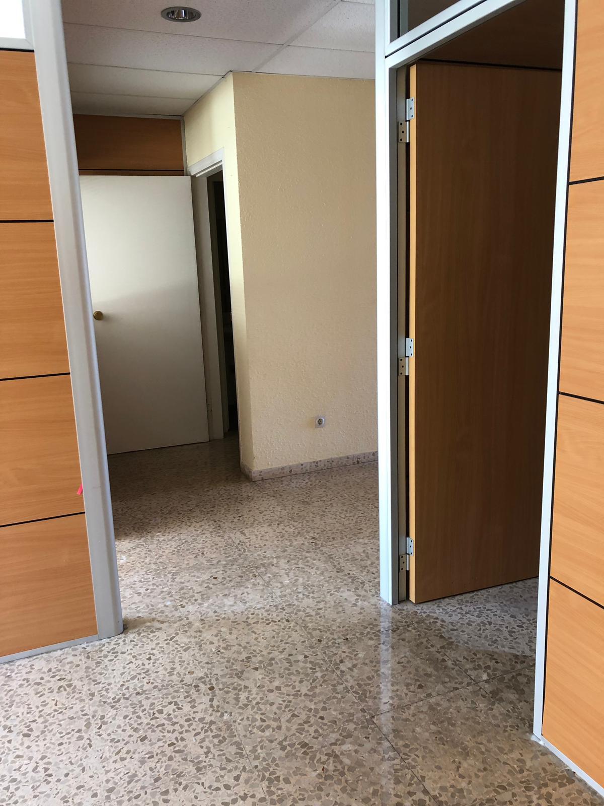 Local en venta en Torre Garrell, Vilanova I la Geltrú, Barcelona, Avenida Francesc Macia, 145.000 €, 122 m2