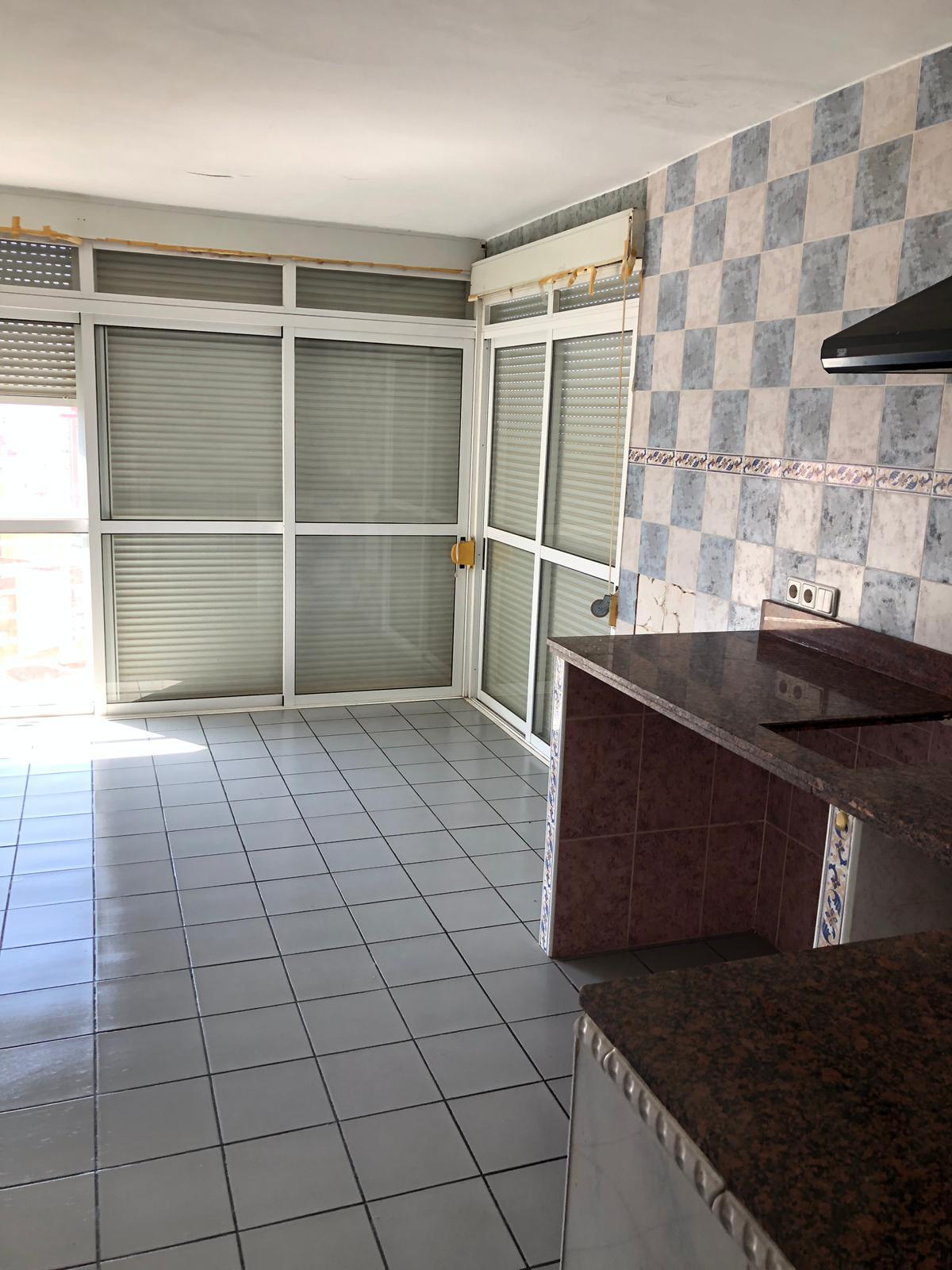 Piso en venta en Els Tolls - Imalsa, Benidorm, Alicante, Avenida Portugal, 29.000 €, 1 habitación, 1 baño, 35 m2