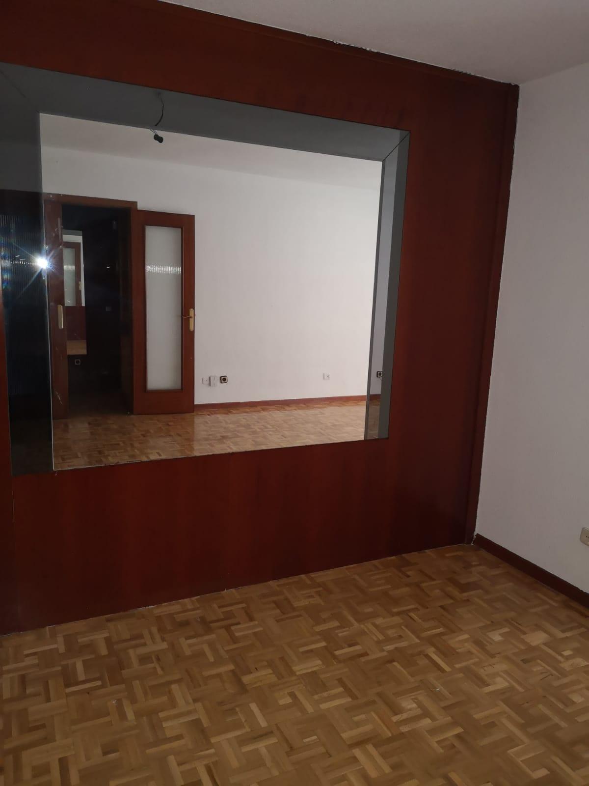 Piso en venta en Madrid, Madrid, Calle Cebreros, 269.000 €, 3 habitaciones, 2 baños, 125 m2