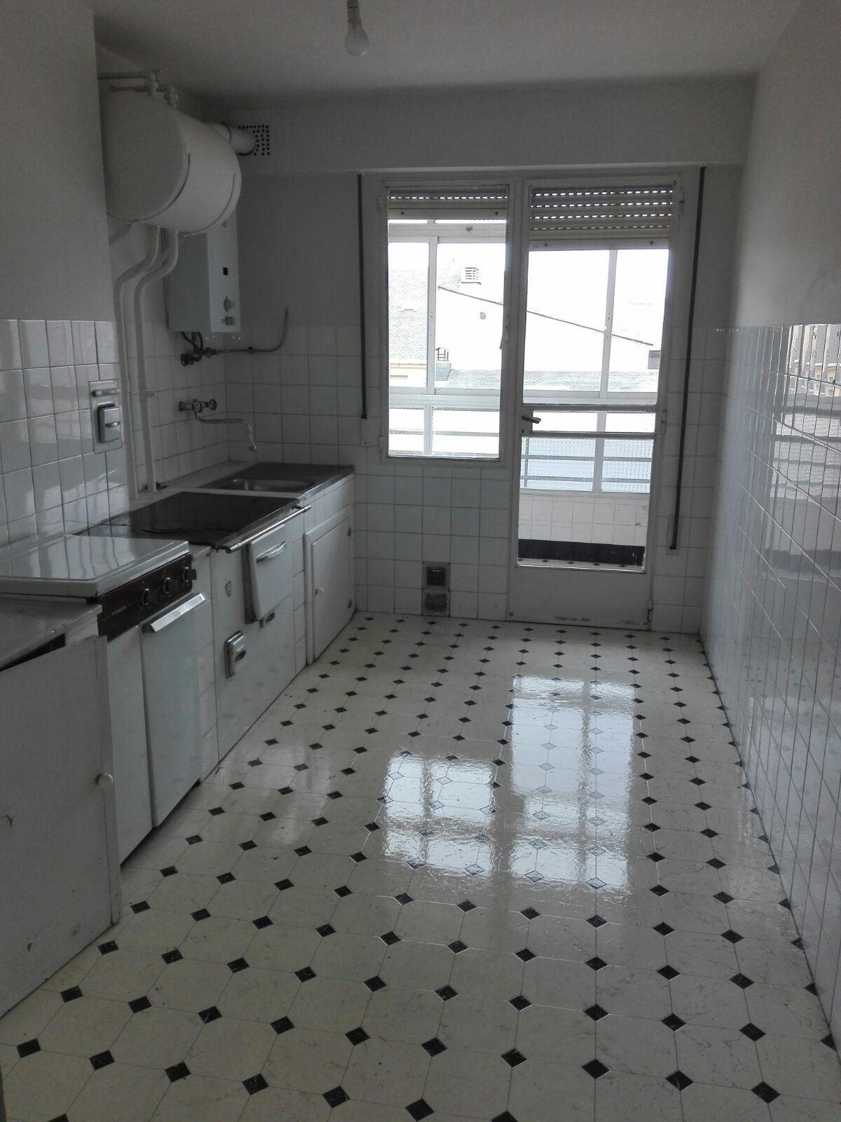 Piso en venta en Compostilla, Ponferrada, León, Calle Verardo Garcia Rey, 48.760 €, 3 habitaciones, 1 baño, 95 m2