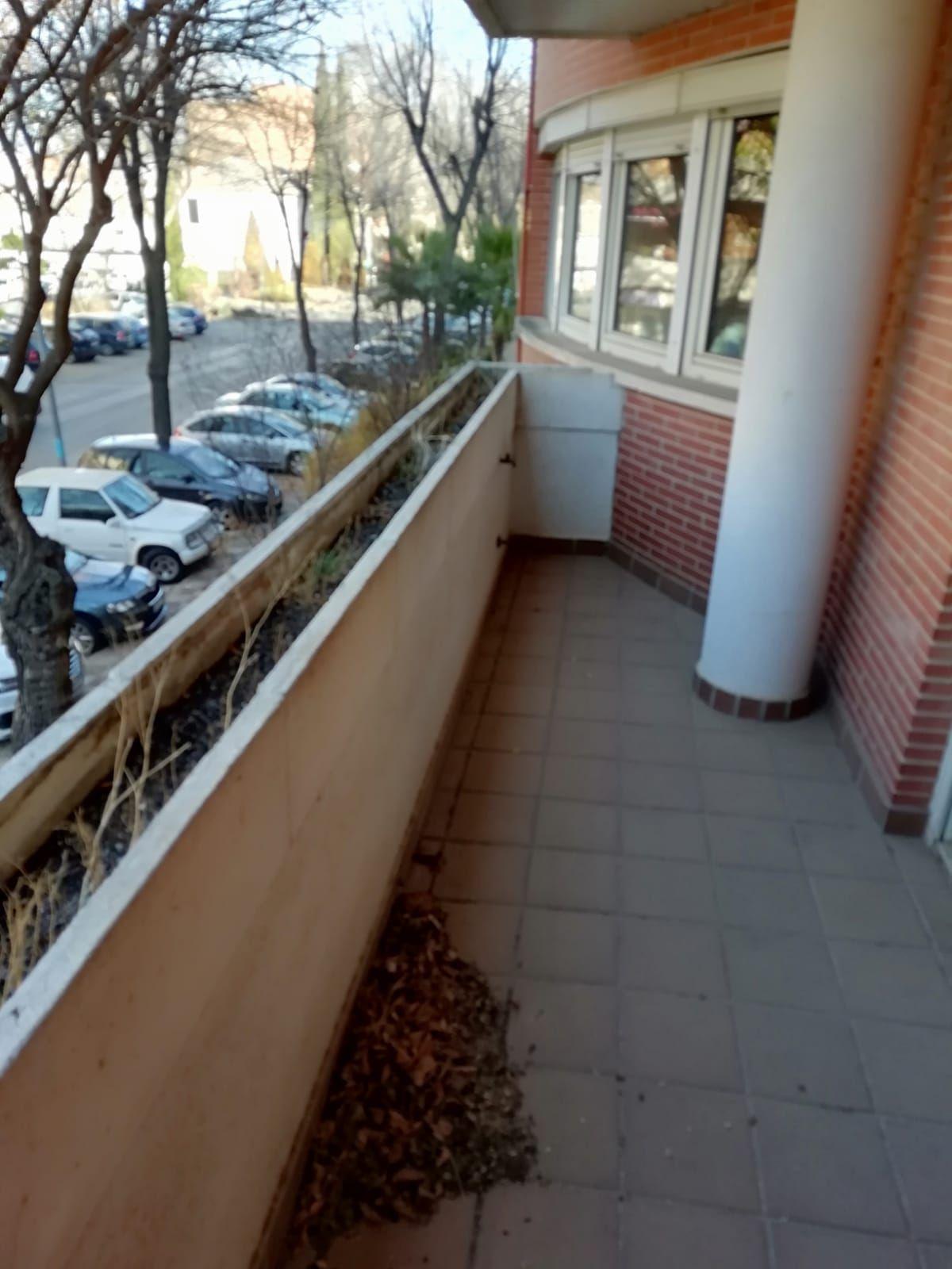 Piso en venta en Tomelloso, Ciudad Real, Paseo San Isidro, 105.000 €, 3 habitaciones, 2 baños, 130 m2