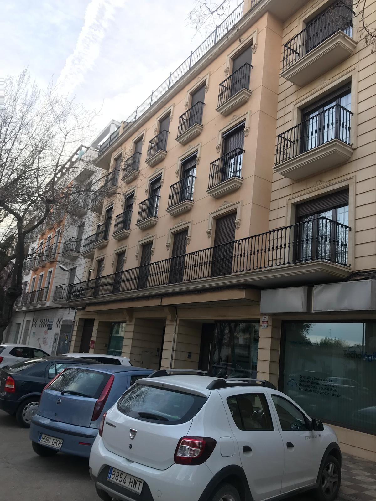 Piso en venta en Tomelloso, Ciudad Real, Paseo San Isidro, 157.000 €, 3 habitaciones, 3 baños, 150 m2