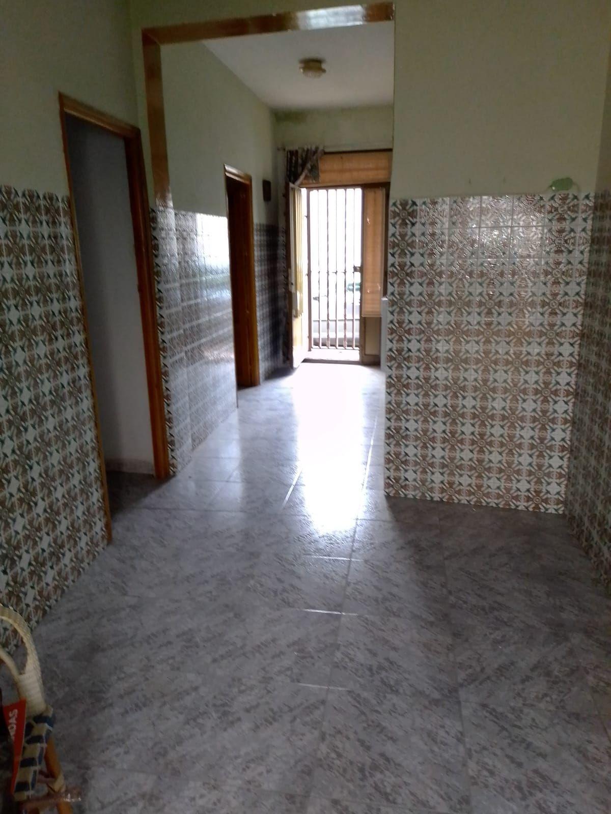 Casa en venta en Ezcaray, Tomelloso, Ciudad Real, Calle Cabo Noval, 50.000 €, 4 habitaciones, 1 baño, 230 m2