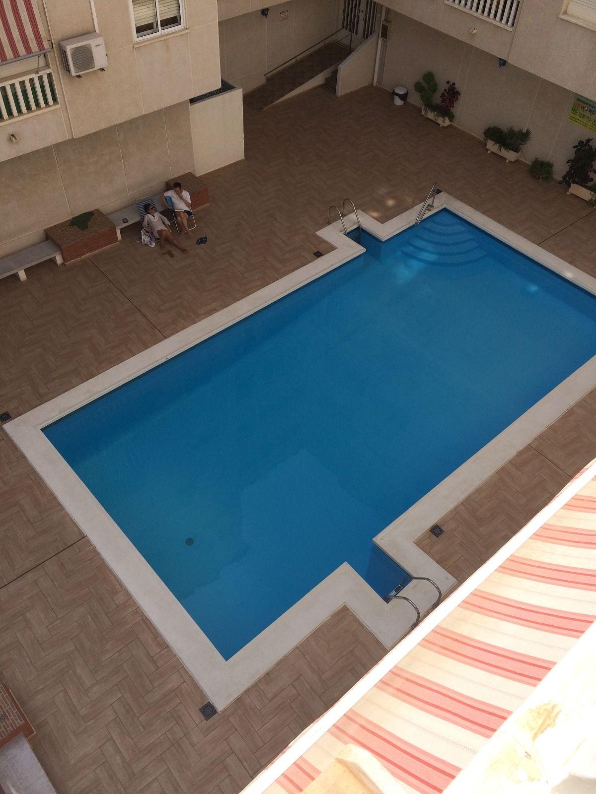 Piso en venta en Torrevieja, Alicante, Calle Beniajan, 90.000 €, 2 habitaciones, 1 baño, 67 m2