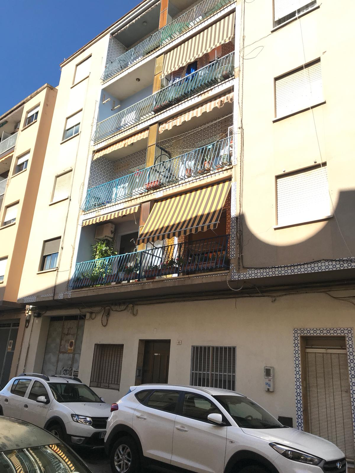 Piso en venta en Gandia, Valencia, Calle Cases Noves, 73.900 €, 4 habitaciones, 1 baño, 95 m2