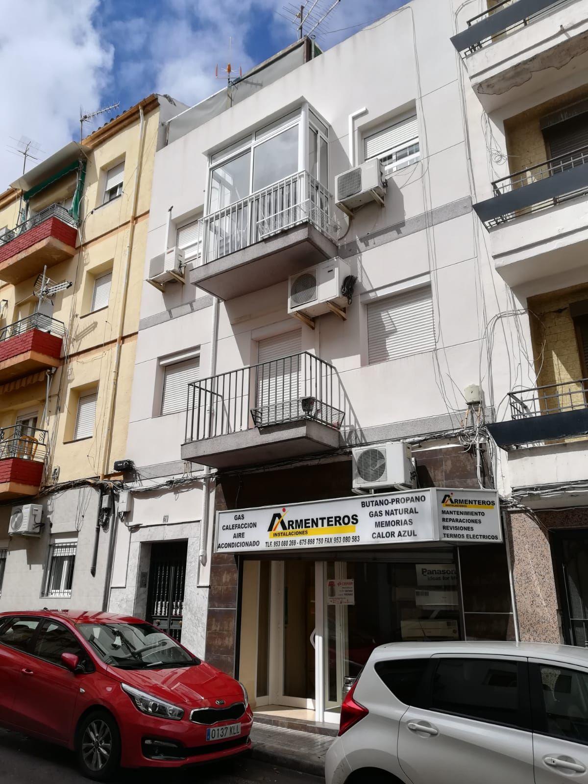 Piso en venta en Jaén, Jaén, Calle Valencia, 59.900 €, 3 habitaciones, 1 baño, 80 m2