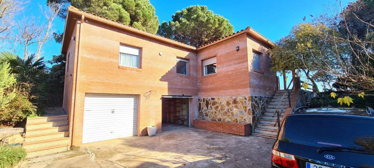 Casa en venta en Esquibien, Caldes de Malavella, Girona, Calle Blanes, 230.000 €, 4 habitaciones, 2 baños, 168 m2