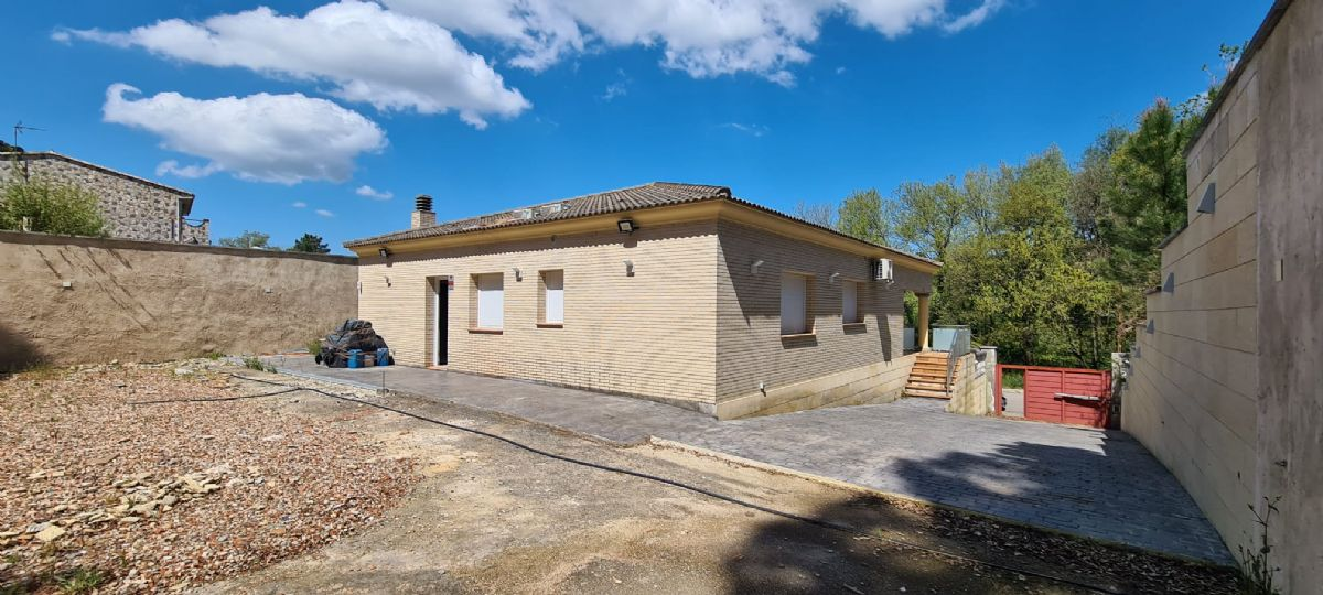 Casa en venta en 92373, Vidreres, Girona, Calle Ginesta, 280.000 €, 3 habitaciones, 2 baños, 154 m2
