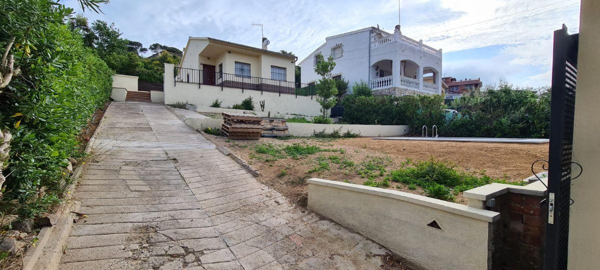 Casa en venta en Lloret de Mar, Girona, Calle Saturn, 169.000 €, 3 habitaciones, 2 baños, 71 m2