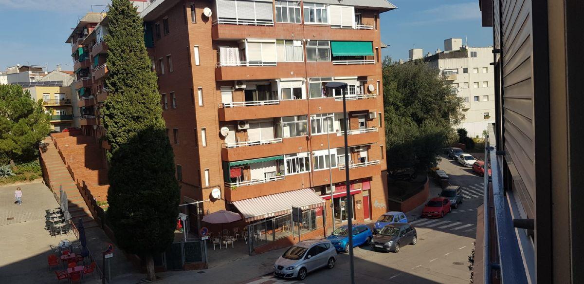 Piso en venta en Medellín, Santa Perpètua de Mogoda, Barcelona, Calle Doctor Fleming, 117.764 €, 3 habitaciones, 1 baño, 80 m2
