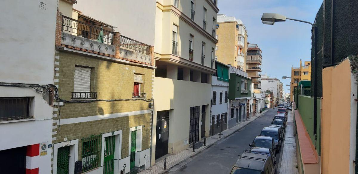 Piso en venta en Esquibien, Málaga, Málaga, Calle Lorenzo Silva, 130.797 €, 2 habitaciones, 1 baño, 80,3 m2