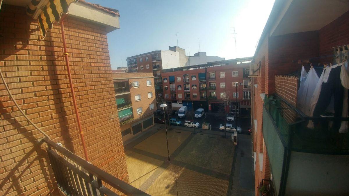 Piso en venta en Talavera de la Reina, Toledo, Calle Alferez Provisional, 45.000 €, 4 habitaciones, 2 baños, 110 m2