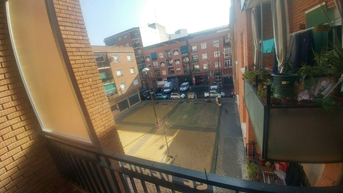 Piso en venta en Talavera de la Reina, Toledo, Calle Alferez Provisional, 65.000 €, 3 habitaciones, 2 baños, 110 m2