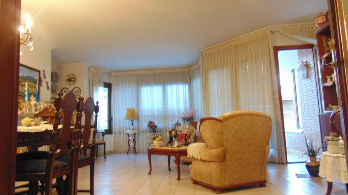 Piso en venta en Vilafranca del Penedès, Barcelona, Calle Bisbe Morgades, 250.000 €, 5 habitaciones, 2 baños, 329 m2