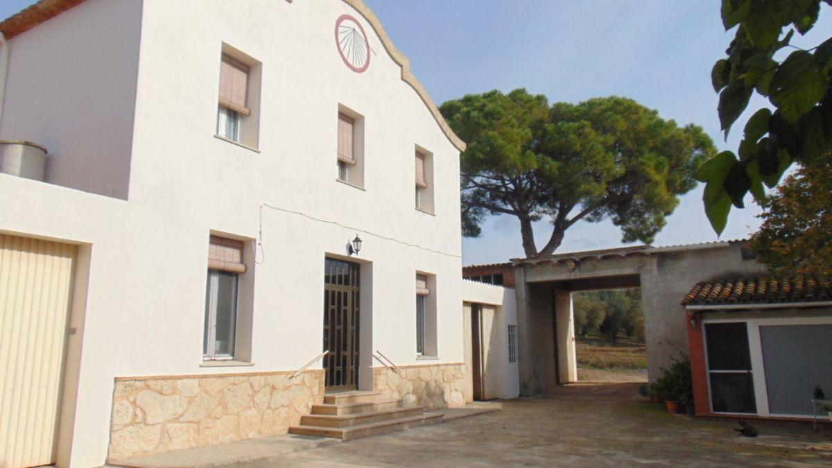 Casa en venta en Avinyonet del Penedès, Barcelona, Avenida Mas Cavaller de Baix, 425.000 €, 6 habitaciones, 2 baños, 815 m2