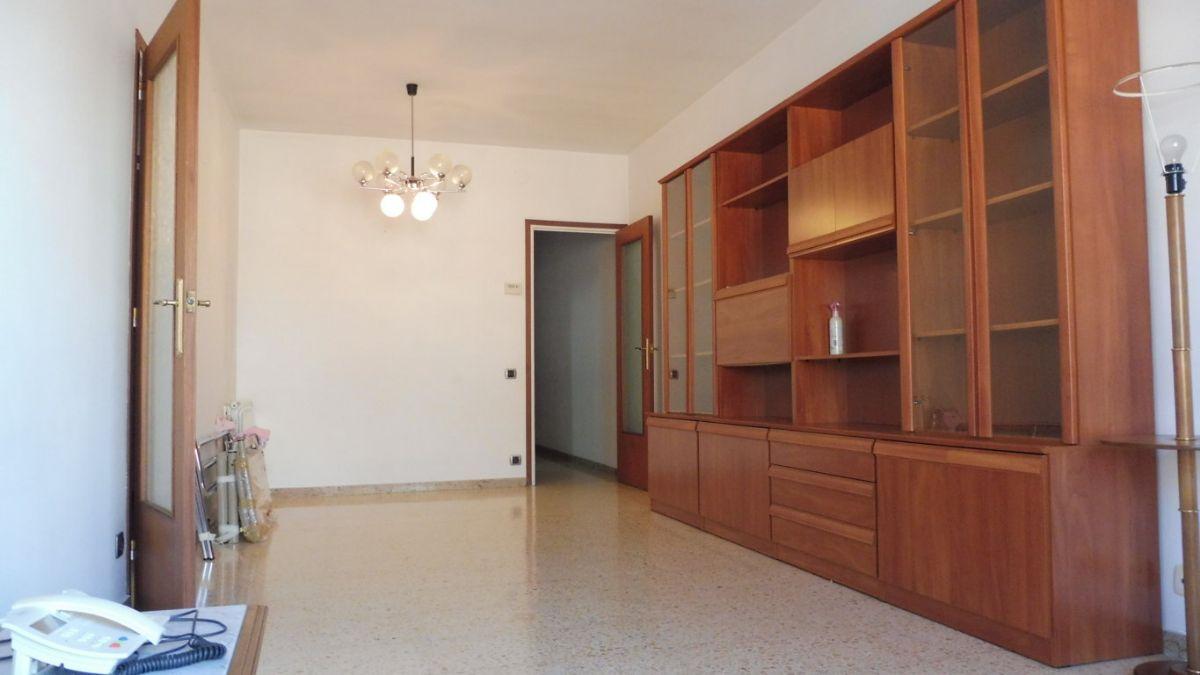 Piso en venta en Vilafranca del Penedès, Barcelona, Calle Abat Copons, 140.000 €, 4 habitaciones, 2 baños, 97 m2