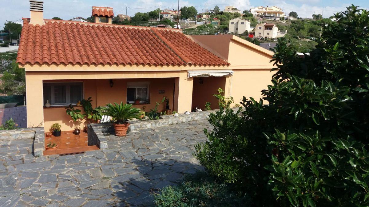 Casa en venta en Olèrdola, Barcelona, Calle Freixe, 192.500 €, 3 habitaciones, 1 baño, 94 m2