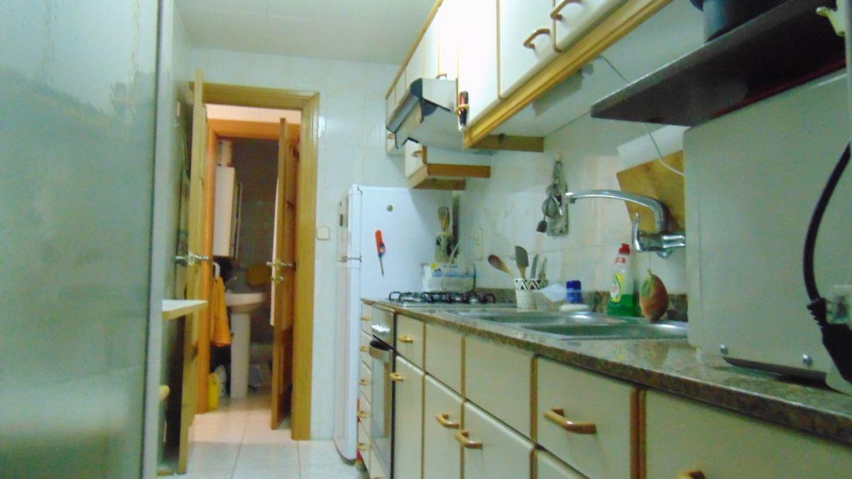 Piso en venta en Torrelles de Foix, Barcelona, Calle Raval, 55.900 €, 3 habitaciones, 1 baño, 80 m2