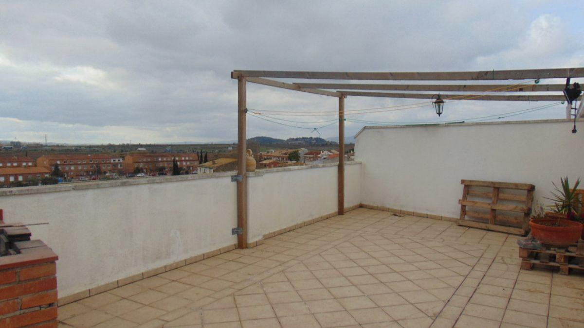 Piso en venta en La Granada, Barcelona, Calle Dr Fleming, 166.000 €, 5 habitaciones, 2 baños, 136 m2