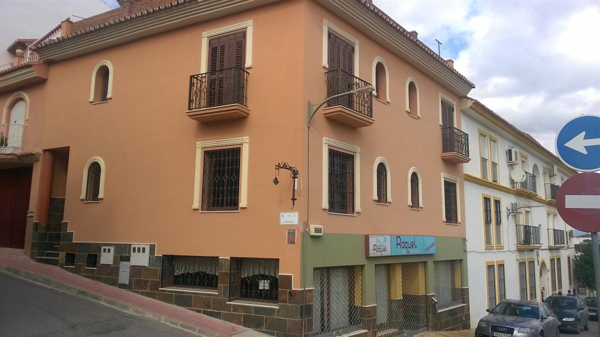 Casa en venta en Barrio de San Antón, Coín, Málaga, Calle Concordia, 240.000 €, 4 habitaciones, 1 baño, 391 m2