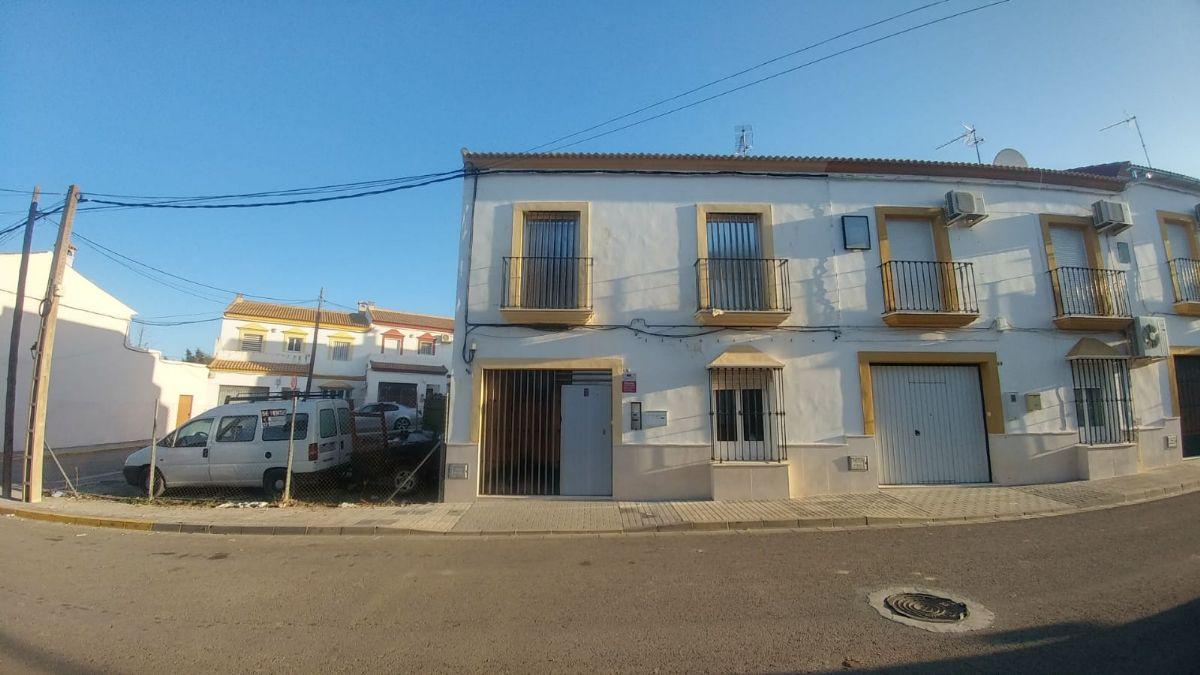 Casa en venta en Aguadulce, Sevilla, Calle Almeria, 58.200 €, 3 habitaciones, 2 baños, 131 m2