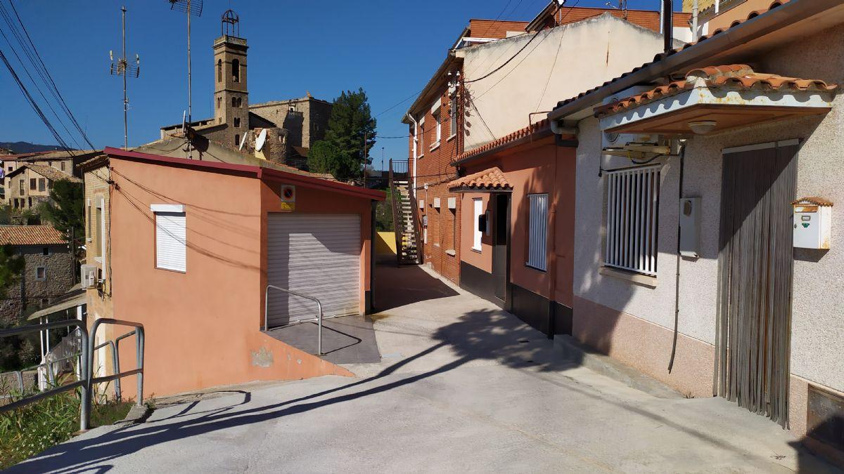 Piso en venta en Ca L`ermitanyo, Súria, Barcelona, Calle Pedraforca, 57.000 €, 5 habitaciones, 1 baño, 154 m2
