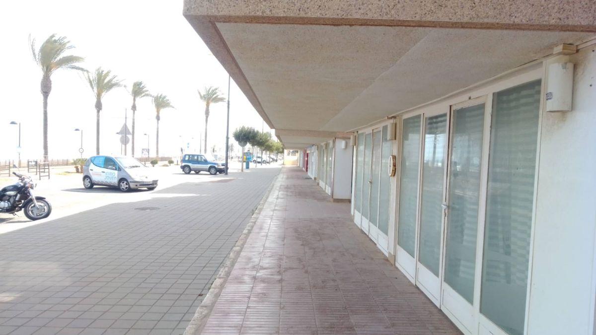Local en venta en Playa Muchavista, El Campello, Alicante, Avenida Jaime I El Conquistador -edificio Marina, 135.000 €, 124 m2