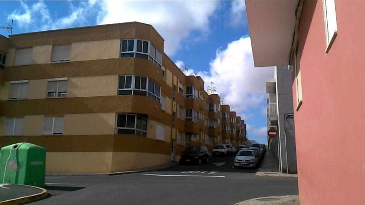 Piso en venta en Barrio Buenavista, Puerto del Rosario, Las Palmas, Calle Cervantes, 79.500 €, 103 m2