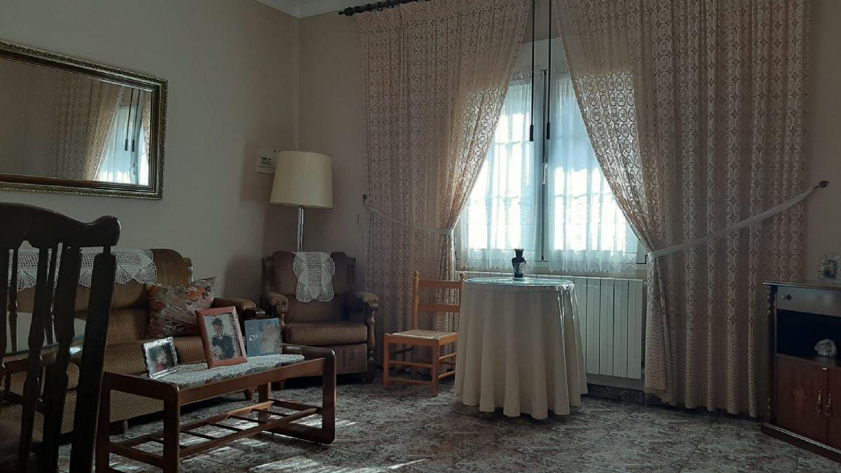 Casa en venta en Tomelloso, Ciudad Real, Plaza Malaga, 75.000 €, 2 habitaciones, 1 baño, 135 m2