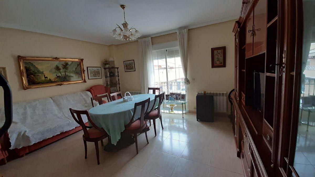 Piso en venta en Tomelloso, Ciudad Real, Calle Nueva, 90.000 €, 2 habitaciones, 1 baño, 95 m2