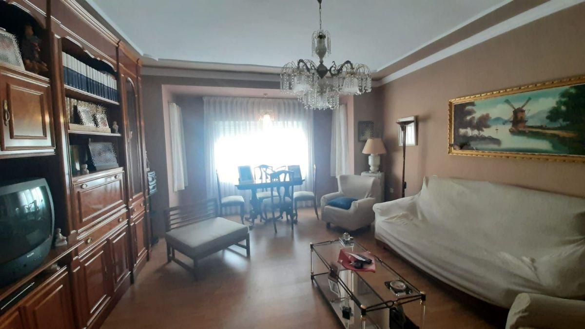 Casa en venta en Tomelloso, Ciudad Real, Calle Pontevedra, 300.000 €, 8 habitaciones, 3 baños, 438 m2