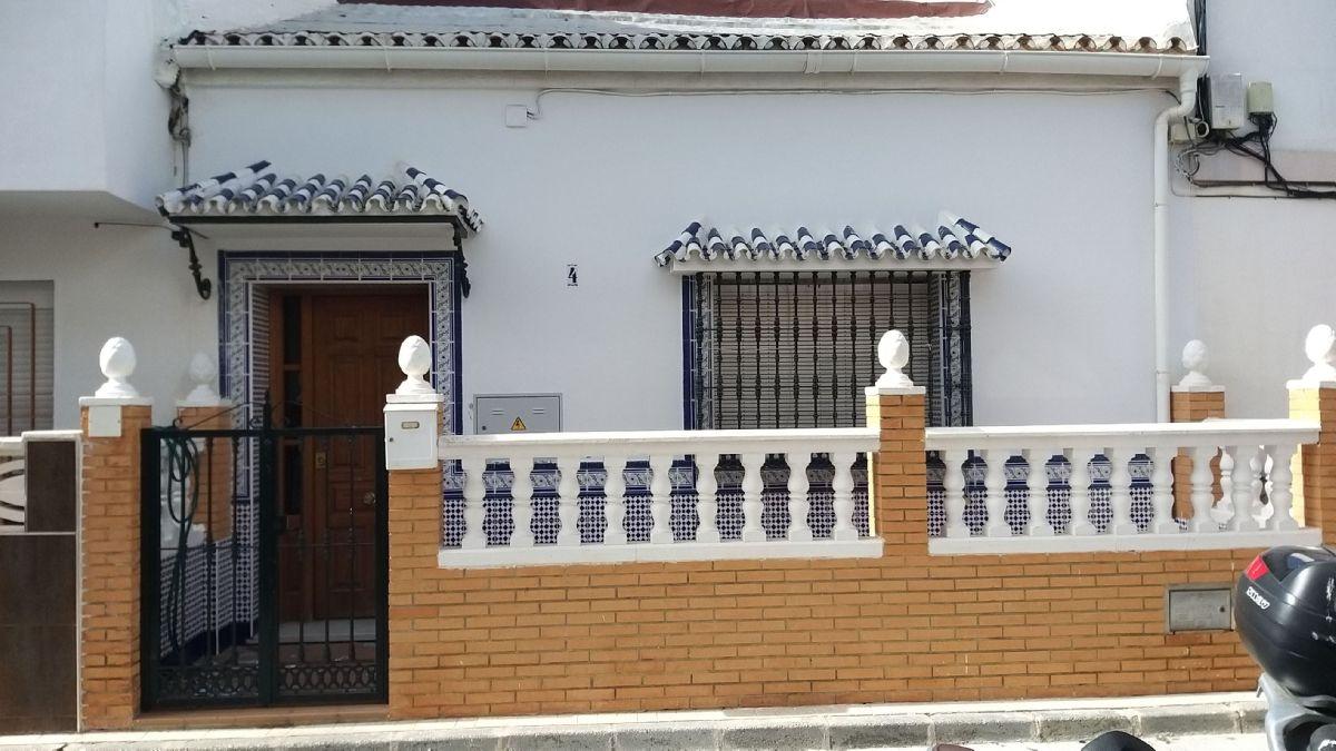 Casa en venta en Málaga, Málaga, Calle Ardales, 119.900 €, 3 habitaciones, 1 baño, 85 m2